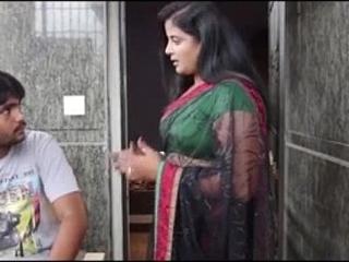 Indian Beautiful Bhabhi seducing Tailor - Wowmoyback